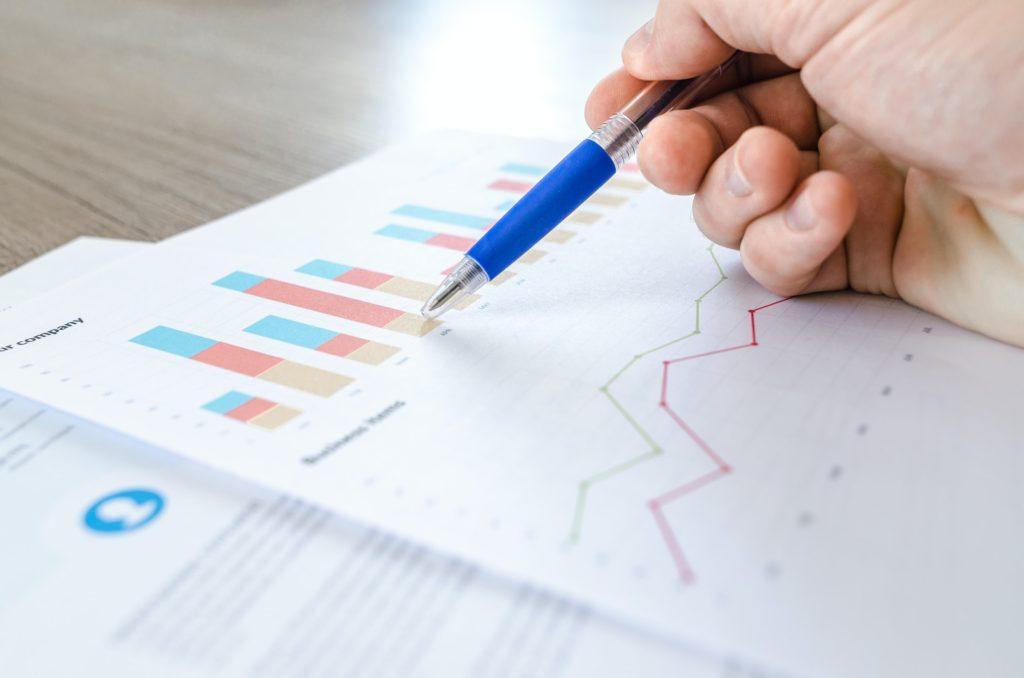 Vi levererar kvalificerade revisionstjänster till små och medelstora företag